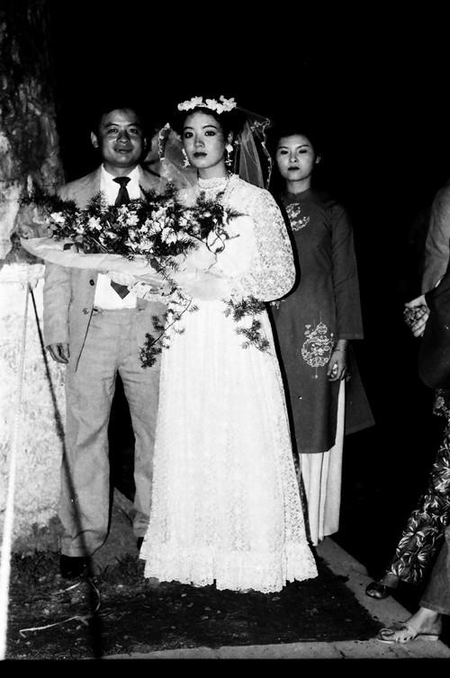 Chiều Xuân nhớ lại những chi tiết thú vị của đám cưới 32 năm trước - Ảnh 4.