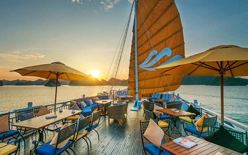 Image result for Sunset Party  HẠ LONG