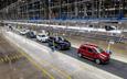 Bất chấp đại dịch, VinFast vẫn bán được hơn 5.000 xe trong quý I đầu năm 2020, dẫn đầu phân khúc xe sang tại Việt Nam