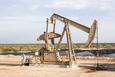 Giá xăng dầu hôm nay 23/1: Nhu cầu suy yếu, giá dầu tiếp tục giảm