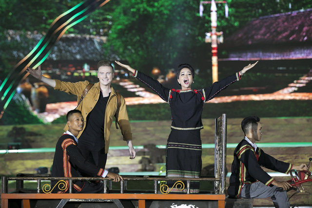 Hơn 600 diễn viên tham gia khai mạc Lễ hội cà phê 2019  - Ảnh 2.