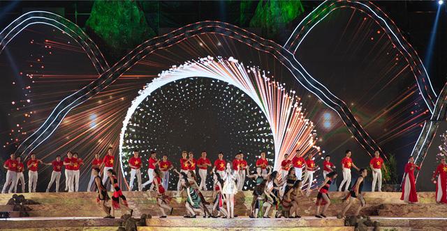 Hơn 600 diễn viên tham gia khai mạc Lễ hội cà phê 2019  - Ảnh 8.