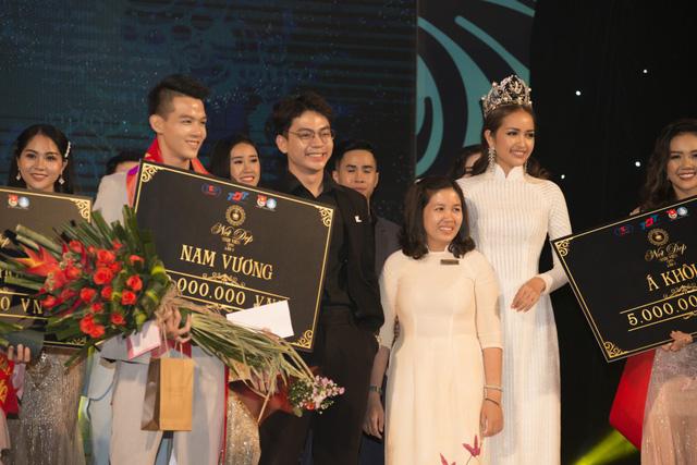 Hoa hậu Ngọc Châu diện áo dài trắng đội vương miện làm giám khảo Nét đẹp sinh viên  - Ảnh 5.