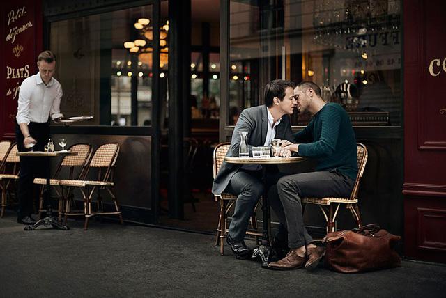 Mãn nhãn với những khoảnh khắc tuyệt đẹp của các cặp đôi đồng tính trên khắp thế giới - Ảnh 10.
