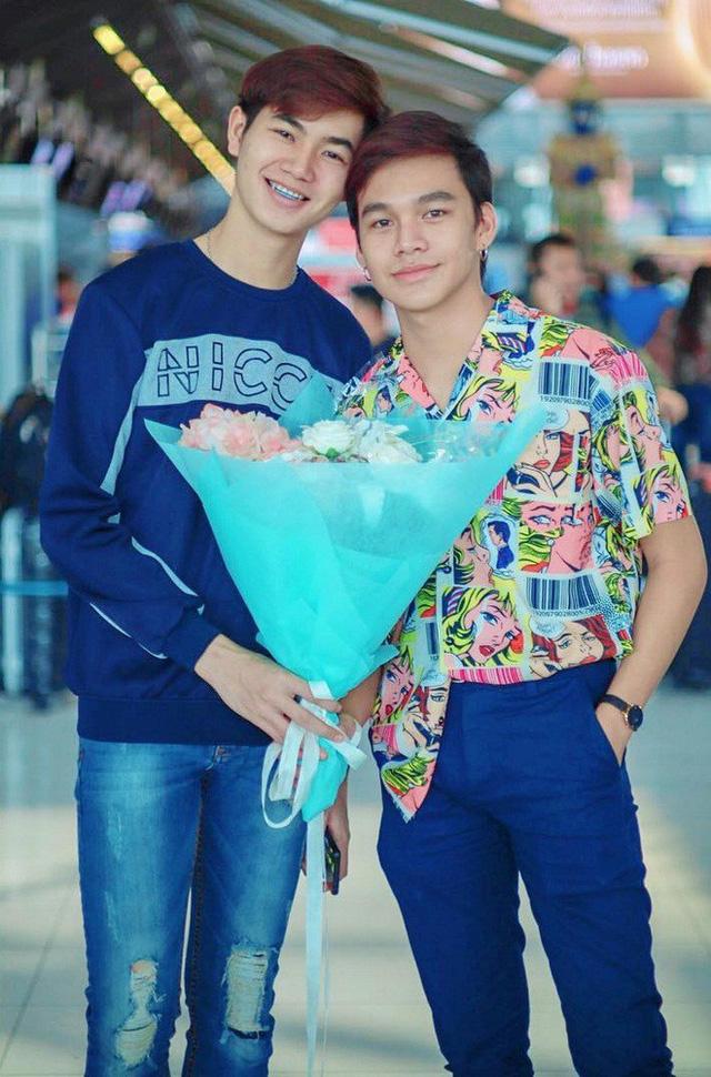 Cặp đồng tính Thái Lan khiến các hủ nữ bấn loạn vì quá đẹp đôi - Ảnh 1.