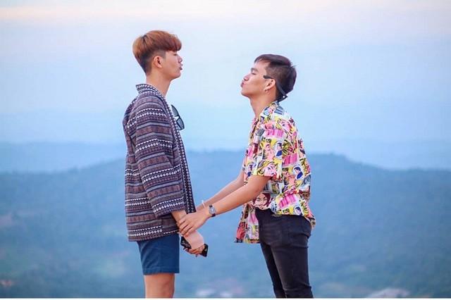 Cặp đồng tính Thái Lan khiến các hủ nữ bấn loạn vì quá đẹp đôi - Ảnh 4.
