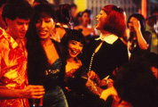 Phố đèn đỏ và nhà thổ của người chuyển giới: hồi ức nóng bỏng đến khó tin qua một bộ phim đặc biệt