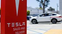Tesla có thể soán ngôi Toyota trở thành nhà sản xuất ô tô có giá trị lớn nhất thế giới