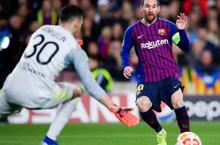 Messi và loạt thống kê ấn tượng sau cú đúp vào lưới Lyon