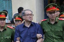 Toàn cảnh phiên tòa xử Phạm Công danh, Trầm Bê ngày 17/1: Tổng Giám đốc không biết 'mặt mũi' tờ séc và trái phiếu