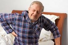 Người già bị đau lưng có nguy cơ tử vong cao