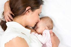 Những cách hạ sốt cấp tốc cho trẻ sơ sinh và mẹ sau sinh