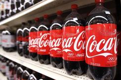 Coca-Cola, Nestle, Unilever tiết lộ bí mật khối lượng nhựa khổng lồ lên đến hàng triệu tấn đã sử dụng