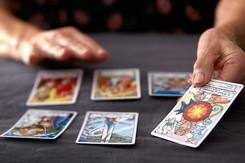 Tử vi hôm nay (24/3) qua lá bài Tarot: Nghỉ ngơi và lấy hơi