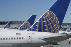 Máy bay Boeing phải hạ cánh khẩn cấp do buồng lái bốc khói
