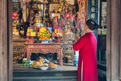 Văn khấn cúng giao thừa trong nhà và ngoài trời theo Văn khấn cổ truyền Việt Nam