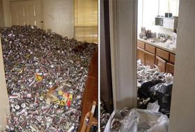 Ngôi nhà 'say xỉn' nhất thế giới ngập ngụa trong hơn 70.000 vỏ lon bia