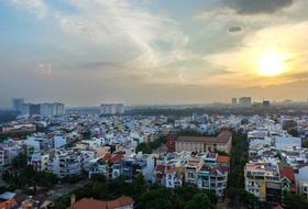 Buôn nhà phố Sài Gòn 'một vốn bốn lời' thời sốt đất